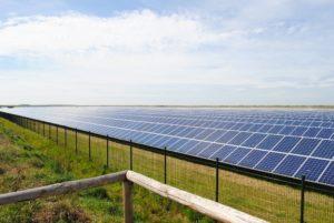 Zonnepark Zeijen neemt 2.200 zonnepanelen in gebruik