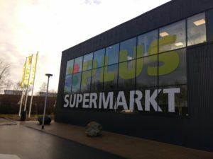 Supermarkt PLUS: stoppen met verpakkingen van zwart kunststof eerste stap in verduurzaming verpakkingsbeleid