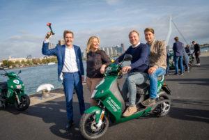 Elektrische deelscooterdienst felyx breidt uit naar de   Maasstad