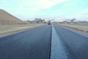Asfalt mijlpaal: eerste weg aangelegd met drielaags lignineasfalt