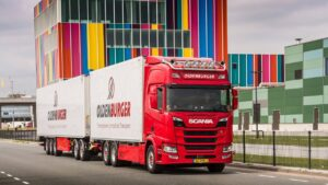 Oldenburger verduurzaamt wagenpark met twee maal Scania R410 LNG Ecocombi