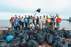 Kornuit steunt Trashpackers op weg naar 100.000 volle vuilniszakken