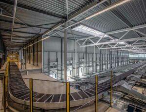 Nieuw PostNL pakkettensorteercentrum in Westzaan