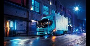 Volvo Trucks introduceert eerste geheel elektrische truck voor commercieel gebruik: