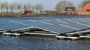 GroenLeven start bouw drijvend zonnepark Oudehaske