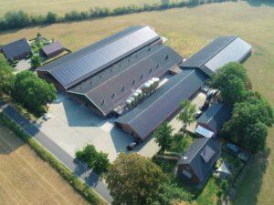 Duurzame energie maakt Nederlandse bedrijfsdaken kosteloos asbestvrij