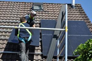 Bewolkte dagen leveren grootste pieken zonne-energie