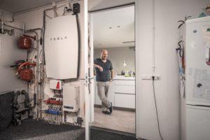"""Installatie Tesla Powerwall gestart voor pilot """"Jouw Energie Moment 2.0"""""""
