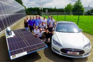 Solar car strijdt met Tesla op 24 hours iLumen European Solar Challenge