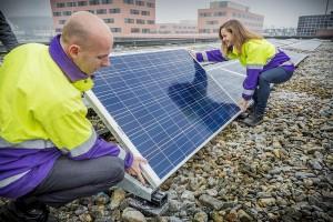 Nuon-hoofdkantoor klaar voor de zon: medewerkers investeren samen in zonnepanelen