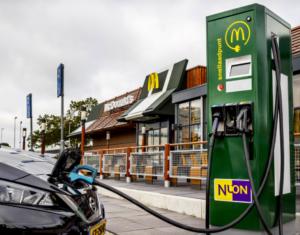 McDonald's en Nuon introduceren snelladen op ruim 160 locaties