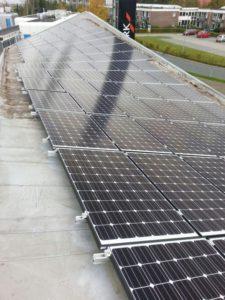 Auto met zonne-energie opladen, zelfs als de zon niet schijnt