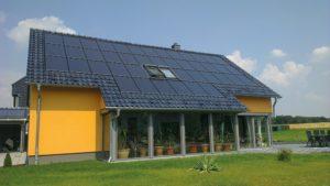 SOLARWATT wint Design Award 2019 met zonnepaneel als dakbedekking