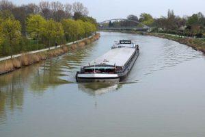 TNO gaat emissies binnenvaart meten: van weg naar rivier
