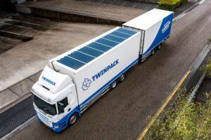 Van der Linden rust nieuwe Scania uit met zonnepanelen