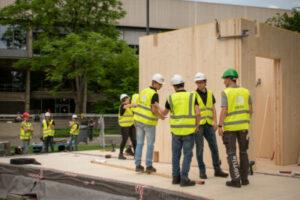 TU/e studenten bouwen in 5 weken een duurzaam huis voor internationale bouwcompetitie