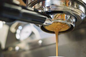 Verbruik op kantoor: bewuster omgaan met koffie