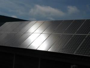 Zonnecellen in bouwmaterialen: groot onderzoek naar integratie
