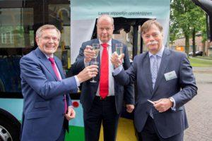 HyMove B.V. overhandigt nieuwe waterstofbus aan OV-bedrijf Syntus