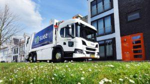 SUEZ investeert in 13 Scania LNG huisvuilauto's