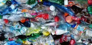 Recyclebaar of te hergebruiken: van Veldhoven lanceert Europees Plastics Pact