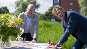 Energiek Poelgeest en Vattenfall tekenen intentieovereenkomst: aan de slag met aquathermieplannen