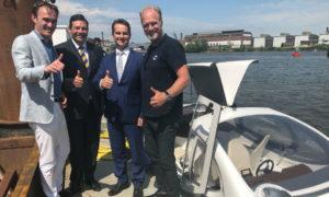 SeaBubble, een innovatief duurzaam schip, maakt in Dordrecht proefvaart
